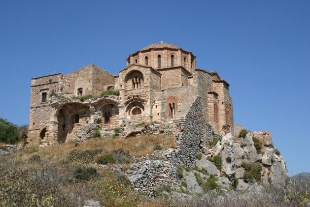 Монемвасия храм Пресвятой Богородицы Хрисафитиссы