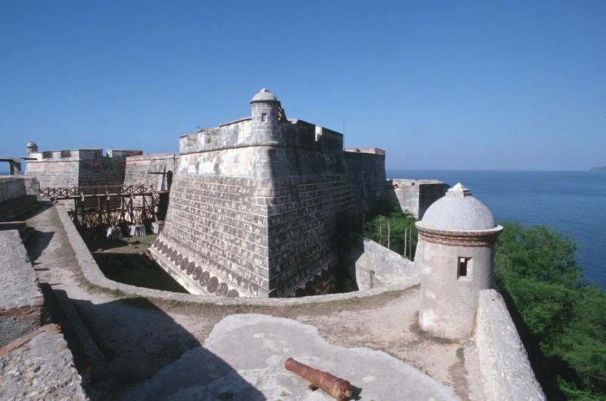 Сантьяго-де-Куба крепость Сан-Педро-де-ла-Рока-дель-Морро