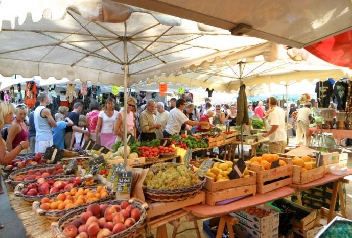 Сен-Тропе рынок