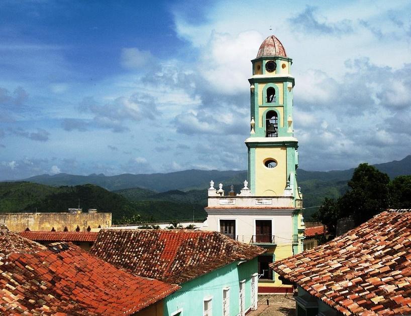 Тринидад колокольня монастыря Сан Франциско де Асис